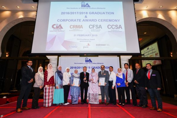 IIA Graduation and Corporate Award 2019 1